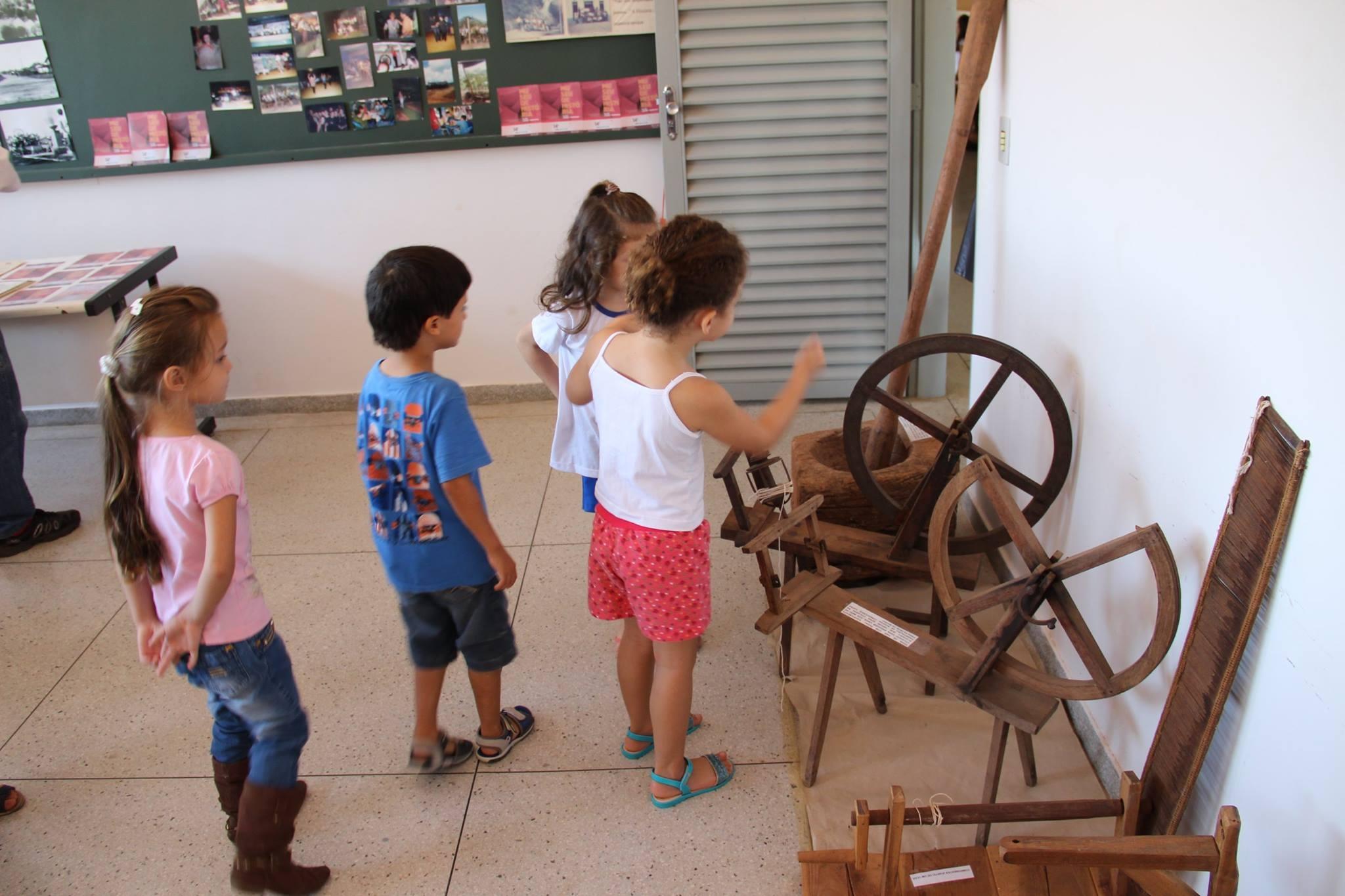Crianças visitantes