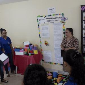 Disciplina 'Bases Linguísticas da Alfabetização' do curso de Pedagogia apresenta trabalhos no polo de Santo Antônio do Descoberto