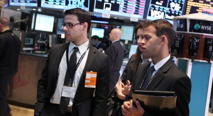 Olivar em trabalho de campo na NASDAQ