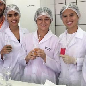 Laboratório de Farmacotécnica (Álbum 2)