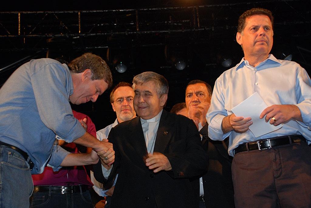 Prefeito Z� Gomes em sua fala, homenageia Dom Antonio Lino, bispo diocesano