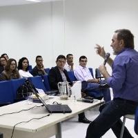Aula Magna do Programa de Mestrado TECCER 2015, com Prof Haroldo Reimer