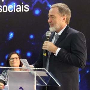 Conferência -  Novos rumos na formação superior: inovações e transformações sociais
